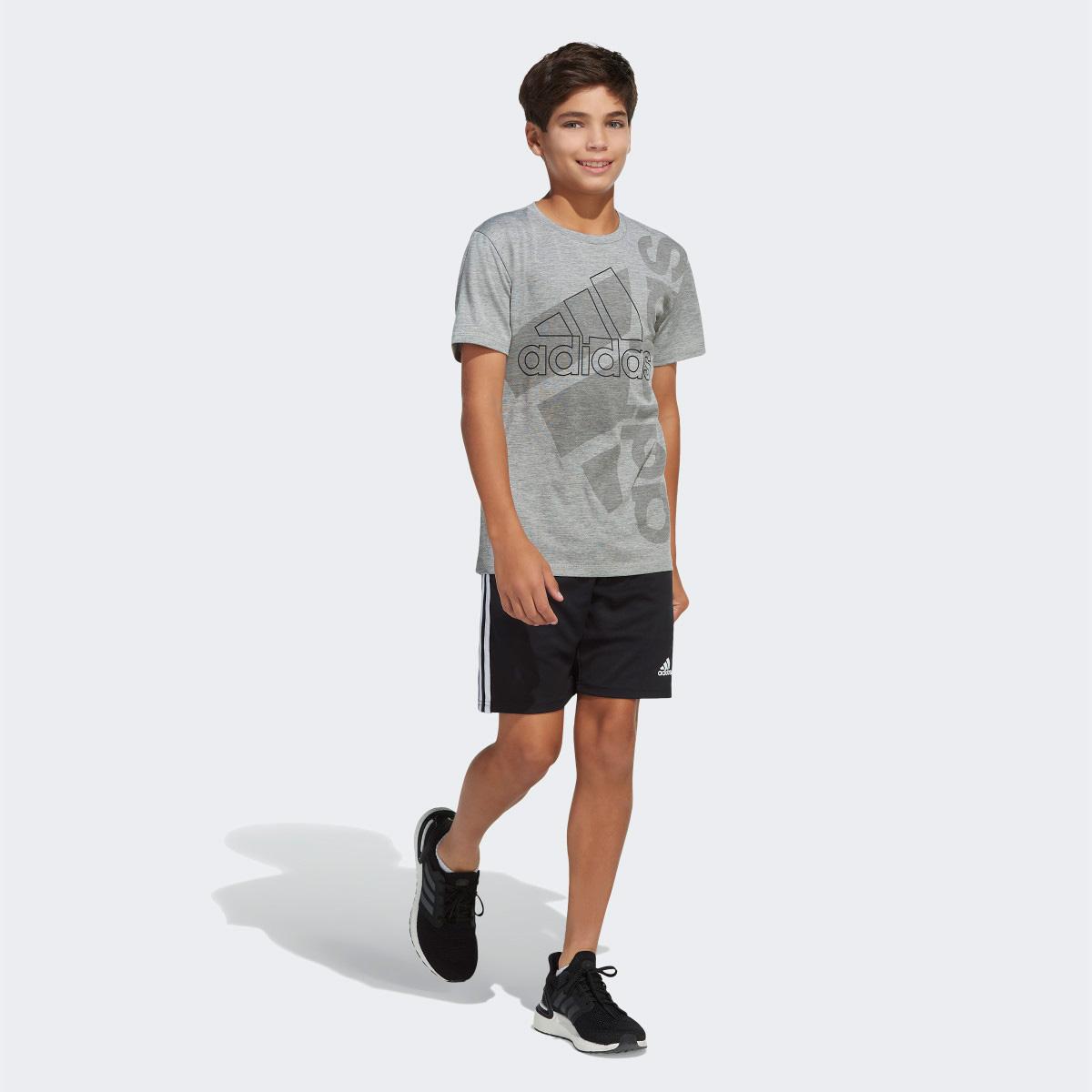Boys' Short Sleeve AEROREADY Vertical Badge Of Sport Pigment Tee, Heather Gray, swatch